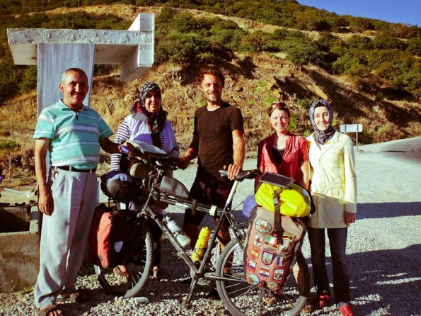 James and Ellie in Turkey (800x600)