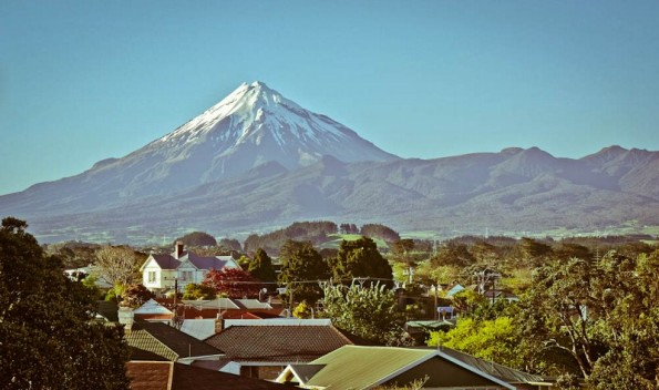 Mt. Taranaki as seen from New Plymouth (800x474)